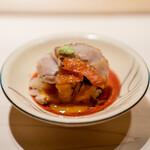 鮨 すが弥 - 金目鯛、 雲丹と卵黄のソース、 シャリ