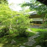 13133028 - 寿立庵の庭、素晴らしいです!