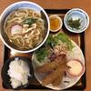 大和本陣 - 料理写真:エビフライ定食全容