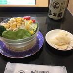 産直グルメ回転寿司 函太郎Tokyo - 野菜サラダ220円。ドレッシングは「別」です(^。^)