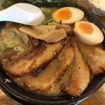 尾張開化亭 - 料理写真:特大焼豚黒らーめん
