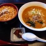 桃花 - 担々麺(麻婆丼)セット