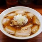 純手打ち 麺と未来 - 料理写真:肉醤油ラーメン