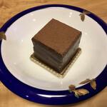 131357225 - 石畳チョコレートケーキ 2020.04