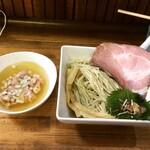へべれ家 - 【期間限定】白醤油鶏つけそば ¥900-