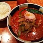 131361424 - 搾菜担々麺(大辛)とサービスのライス(¥900税込み)