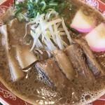 ラー麺 ずんどう屋 - 料理写真:醤油豚骨ラーメン820円