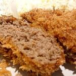 レストラン しん - 料理写真:ぎっしりお肉の詰まった激ウマ「なミンチかつ」