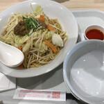 リンガーハット - まぜ辛めん、シェアのお皿with