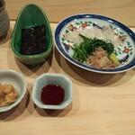 Haramasa - はらまさ流お造り。海苔に鯛の刺身とあん肝醤油と薬味を乗せ、手巻きにして頂きます。あん肝醤油がズルいwww