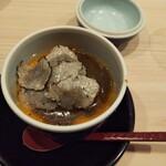 Haramasa - 蟹とフォアグラの茶碗蒸し。トリュフもかけてあります。  フォアグラは 無くても良い気がする。あと、これは日本酒とは合わないので ペアリングとか欲しくなりました。