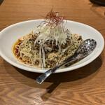 シビレ ヌードルズ 蝋燭屋 - 汁なし坦々麺 980円
