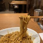 シビレ ヌードルズ 蝋燭屋 - 麺はモチモチ