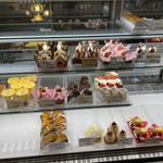 シノン洋菓子店 - 料理写真:
