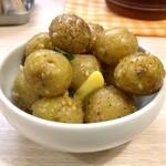 トンテキ食堂8 - コロコロポテト(コンソメパンチ風味)(ハーフサイズ)
