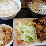 131419935 - 国産 豚バラ焼定食と豚汁