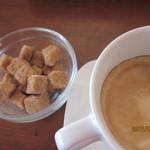 モルトクオーレ - カフェラテ・・・お砂糖はフルーツシュガーではないね