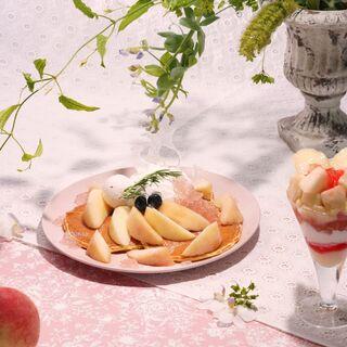キャンベル・アーリー - 料理写真:まるごと桃フェア開催中!
