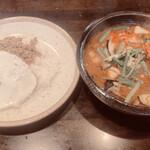 131438440 - 海老と夏野菜のエスニック炒めとガパオライスのスープカレー 1370円