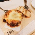 チキンバル 伊太利亭 - チーズたっぷり  ホクホクジャーマンポテト