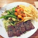 デュボワ - 牛ハラミ肉のソテー、アンチョビバターソース1,700円