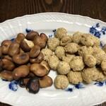 石井いり豆店 - 煎りそら豆初めて食べました!