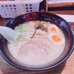 琉球新麺 通堂 - 男味ラーメン トッピング 卵