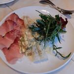 ラ ボッテガ デル オーリオ - ホワイトアスパラ,シュペック(燻製生ハム),玉子とパルメザンチーズで