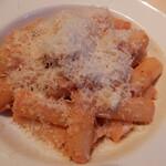 ラ ボッテガ デル オーリオ - ペコリーノチーズと黒胡椒のリガトーニ,ローマ伝統アラ・グリーチャ