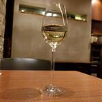 カルシファーズ・グリル アラ トスカーナ - グラスワイン(700円)