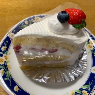 ル・パティシェ ヤマダ - 料理写真:苺のショートケーキ