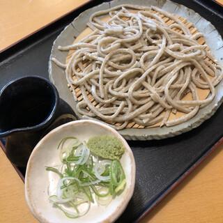 そば哲 - 料理写真:田舎そば(石臼手挽き)940円