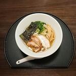 鶏そば 直右 - 料理写真:鶏そば 700円