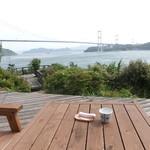 海の見えるカフェ - テラスからの景色は最高