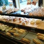 マナレイア - 料理写真:パンコーナー ①