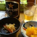 睦巳 - ビールと小鉢・お新香