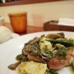 キマグレイチバ - 若鶏のバジルソース