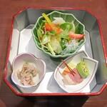 松戸甲羅 - 前菜サラダですw