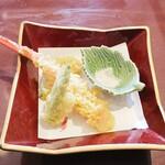 松戸甲羅 - ずわい蟹天ぷらですw