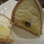 Cafe BEAU VERGER - モンブランの中は、生クリームとカスタードクリーム。