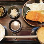 Tonkatsuyamamoto - ろーすかつ定食