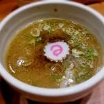 niboshichuukasobasuzuran - つけ汁のみ  特製つけ麺 1,050円