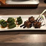 黒毛和牛焼肉と本格もつ鍋 山樹 - わらびもち黒蜜がけ 350円