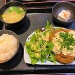 131519810 - くんぺい@本郷三丁目 チキン南蛮定食(800円)