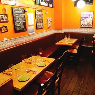 南スペインを感じられる店内でゆったりお食事をお楽しみ下さい!
