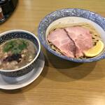 セアブラノ神 - 濃厚牛鶏豚トリプルつけ麺