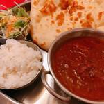 インド料理 インディアンハット - Bランチ 800円 チキンカレー 辛さ3 ナンおかわりできます