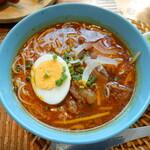 ヴェトナム・アリス - ブン・ポー・フェ(牛すじ肉入り辛口スープビーフン麺)
