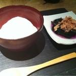 13154065 - お通し(できたての自家製豆腐と式部草のおひたし)