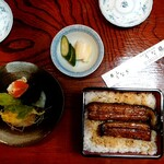 うな藤 - ランチうな重(税抜1600円)サラダ又は茶碗蒸し付き